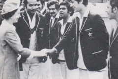 19 year old imran khan intro to queen of england in 1971